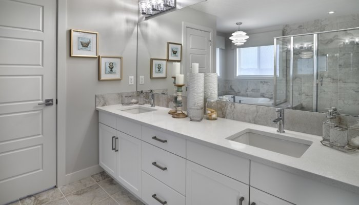 Saffron garden ii master ensuite bathroom | build a new homes edmonton