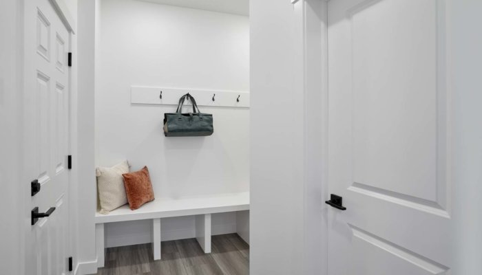 SingleFamily Edmonton Woodbury Mudroom