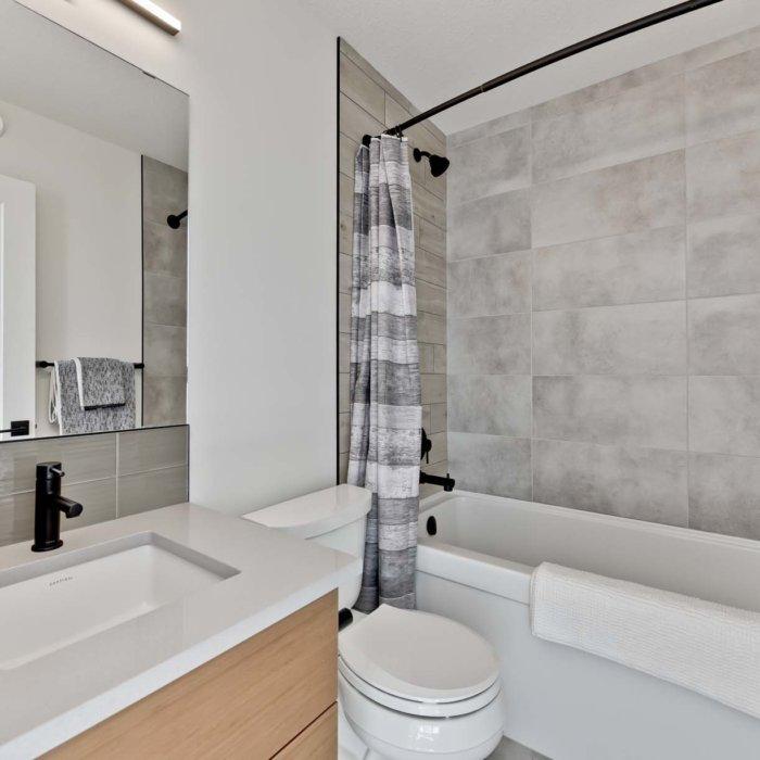 Full House Lottery Home Bedroom3 Bath