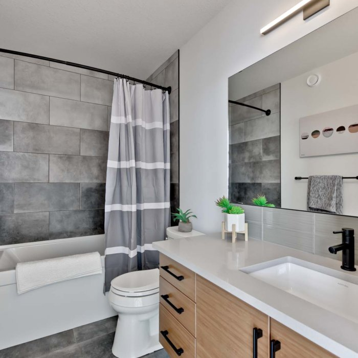 Full House Lottery Home Main Bath