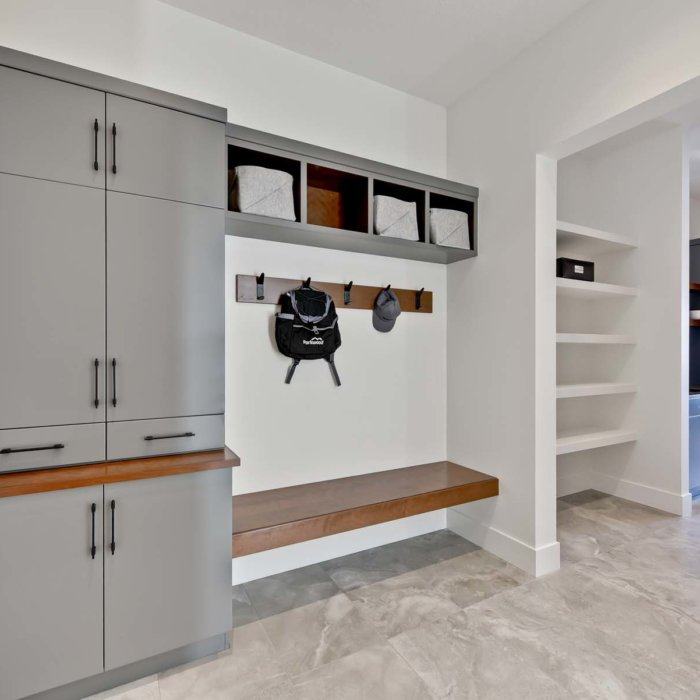 Full House Lottery Home Mudroom